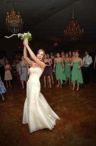 bride-tossing-bouquet